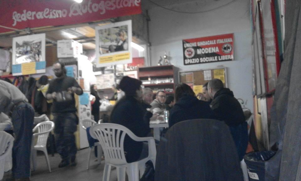http://www.libera-officina.org/wp-content/uploads/2016/01/cena-capodanno2.jpg